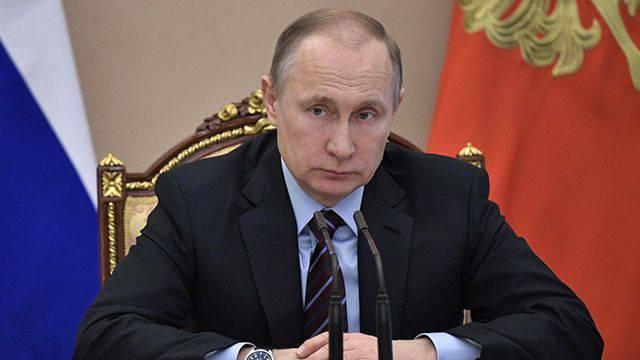 Путин поручил обеспечить пенсиями бывших украинских военных в Крыму