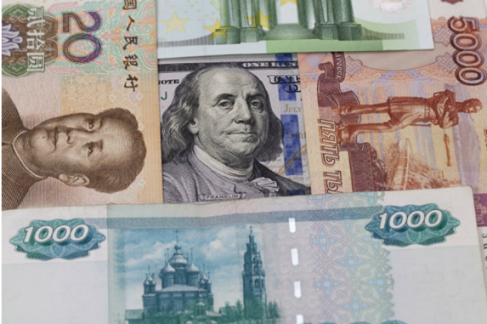 Обойдёмся без доллара? Китай запустил систему платежей врублях июанях