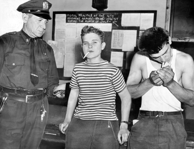 16-летний Роберт Насчак и 20-летний Ральф Ямицелло задержаны по обвинению в ограблении, 1 августа 19