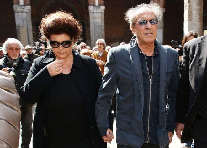 В настоящее время пара живет спокойно и размеренно недалеко от Милана. Дети выросли, появились внуки
