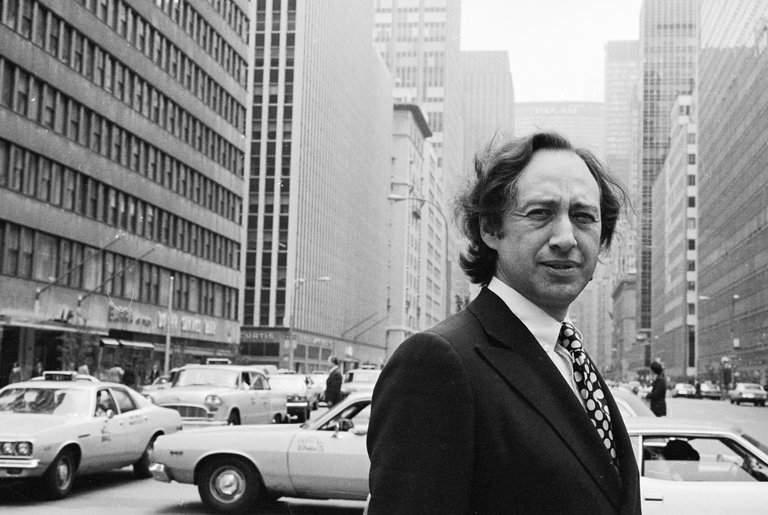 Кто это: Социолог, философ, журналист Fortune иконсультант корпораций IBM иXerox