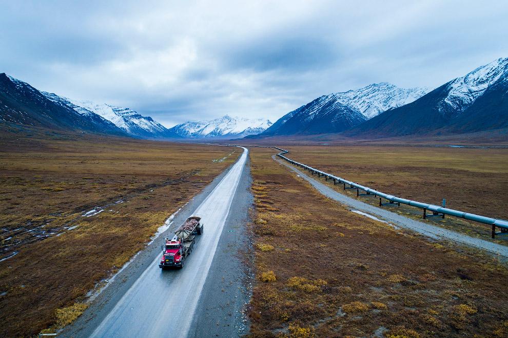 18. Шоссе Далтон — самая северная дорога Америки, 3 сентября 2017. (Фото Jim Lo Scalzo):