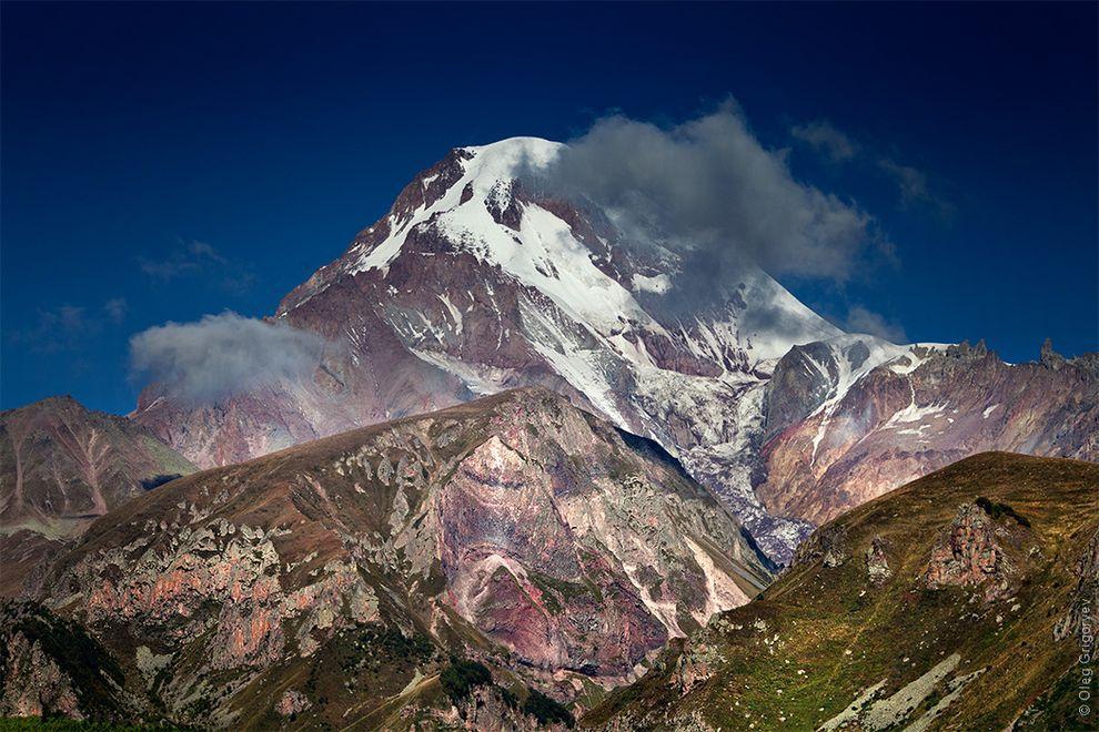 2. Нашей главной целью было восхождение на гору Казбек. Казбек (высота 5033) — пятитысячник Северног