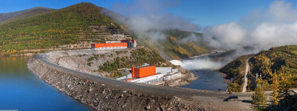20. Колымская ГЭС является основным источником энергоснабжения Магаданской области, обеспечивая окол