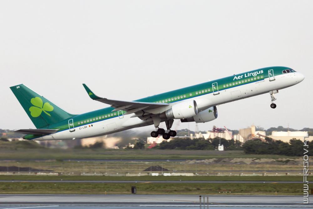 B-757_EI-LBR_Aer_Lingus_1_JFK_resize (2).jpg