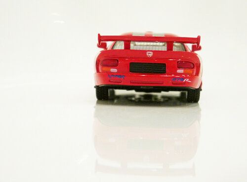 Машинка Kinsmart Dodge Viper GTS-R