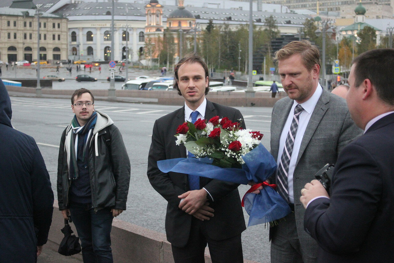 представители чешского посольства возложить цветы