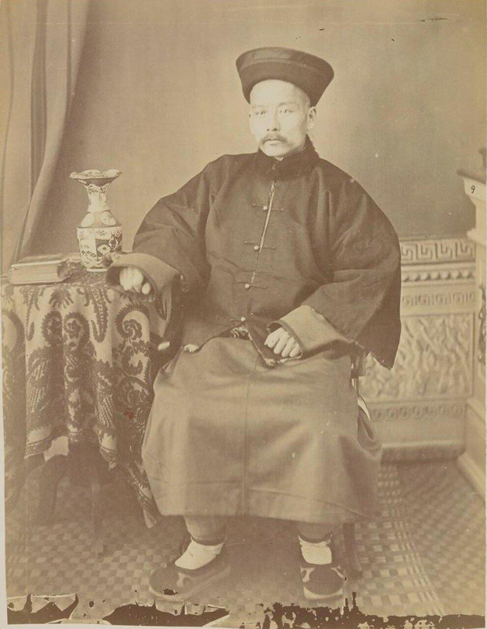 Окрестности Благовещенска. Богатый маньчжурский торговец из Айгуна, в 32 км ниже по течению от Благовещенска. 1872