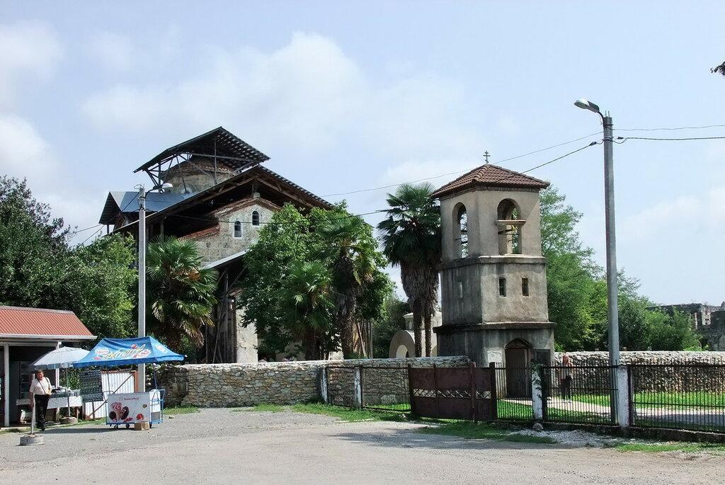 Лыхненский храм
