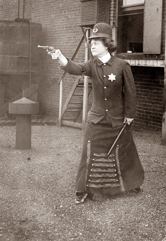 police-woman.jpg