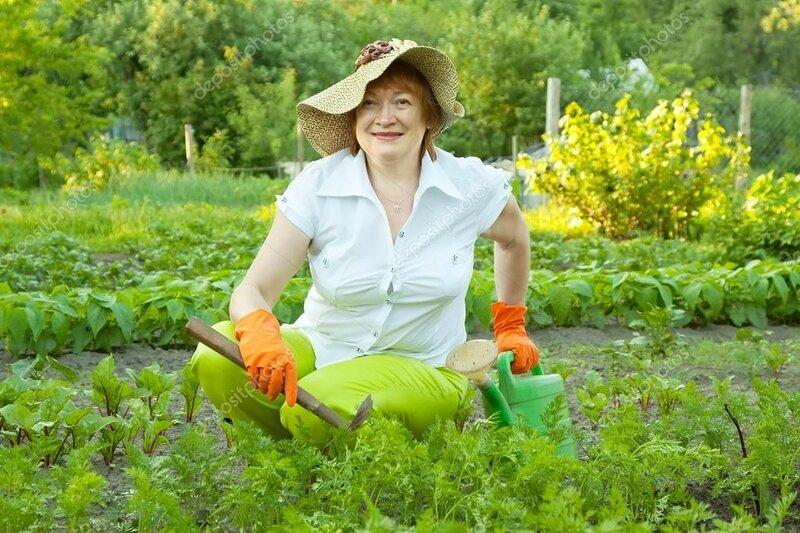 depositphotos_13671550-woman-working-in-vegetable-garden.jpg