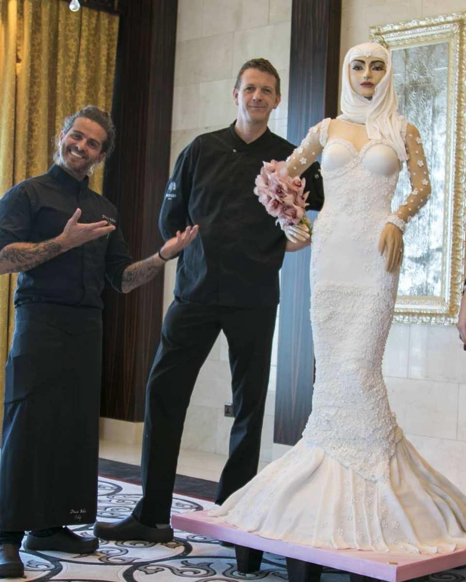 Британка сделала свадебный торт в форме невесты стоимостью $1 000 000