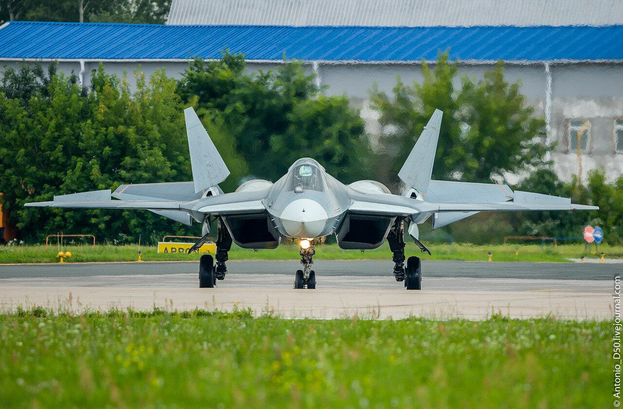 Су-57 б/н 052 на МАКС-017.