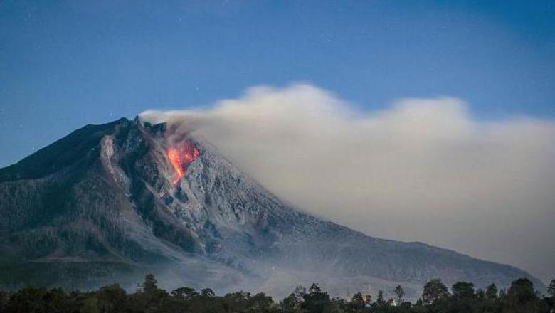НаСуматре произошло извержение вулкана Синабунг
