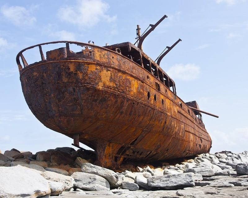 0 182bf7 6a4c360 orig - На мели: фото брошенных кораблей
