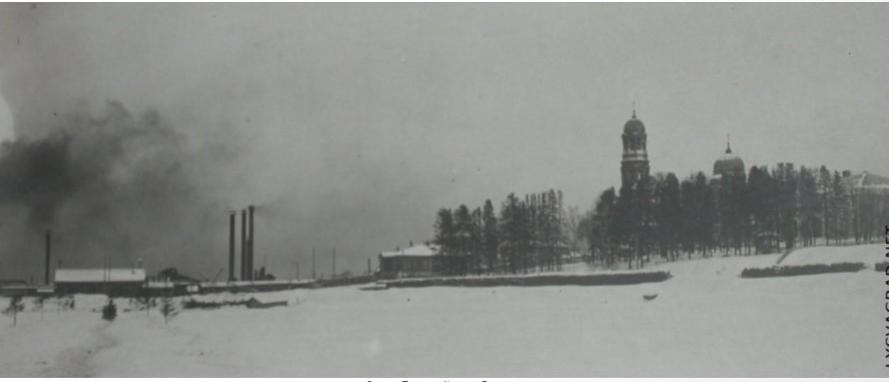 Свято-Троицкий храм. Вид с пруда