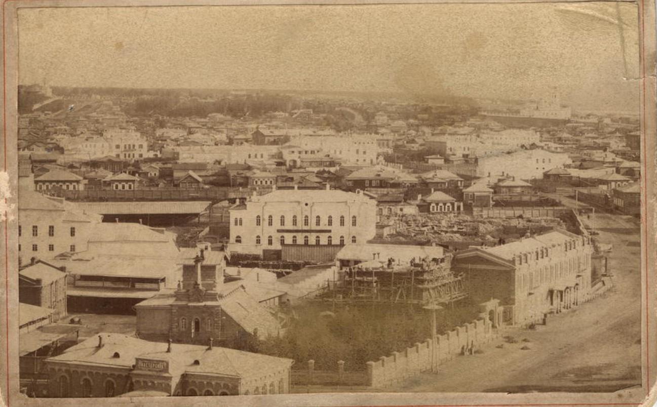Вид города с колокольни нового собора. 1895