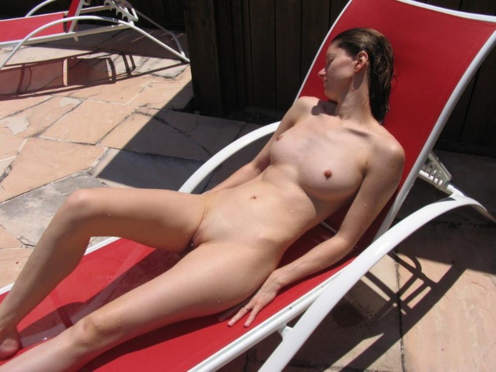 Совсем без одежды