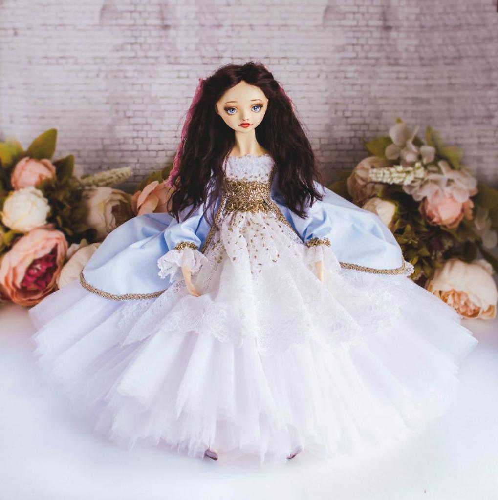 Princesses-World-Beautiful-Handmade-Dolls-By-Marina-Safronova-5968c159edd07__880.jpg