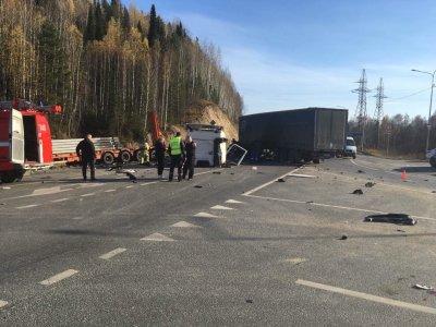 ВУватском районе погибли водители КамАЗа илегковушки