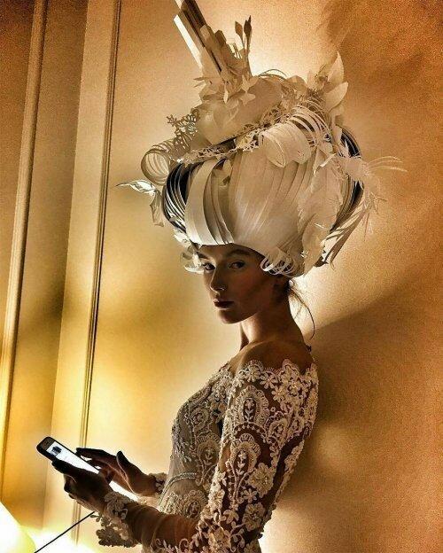 0 17adc9 56808c8a XL - Бумажные парики Аси Козиной в стиле барокко