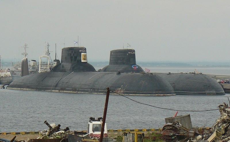 0 1801b3 da79f7d7 orig - Самая большая подлодка в мире. Конечно, наша - русская.