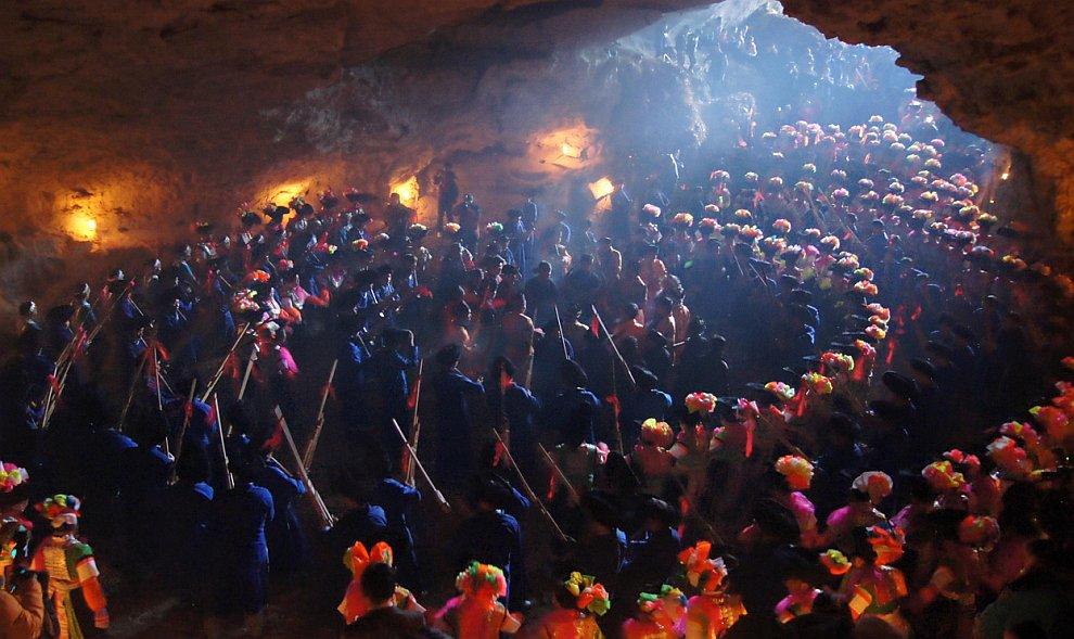 Крупнейший в мире туннель водосброса , расположенный недалеко от Токио, 28 се