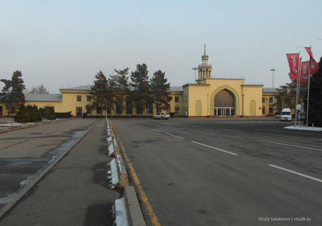 Старый аэропорт Алматы.