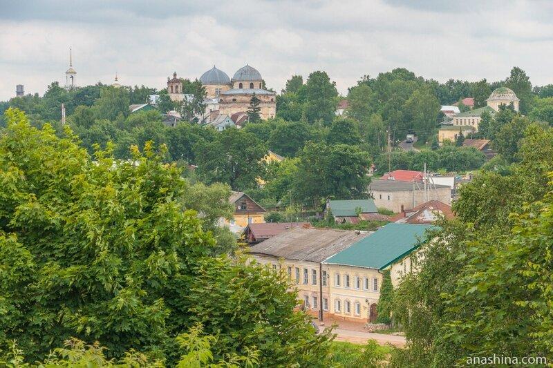Бывший Воскресенский монастырь и Крестовоздвиженская церковь, Торжок
