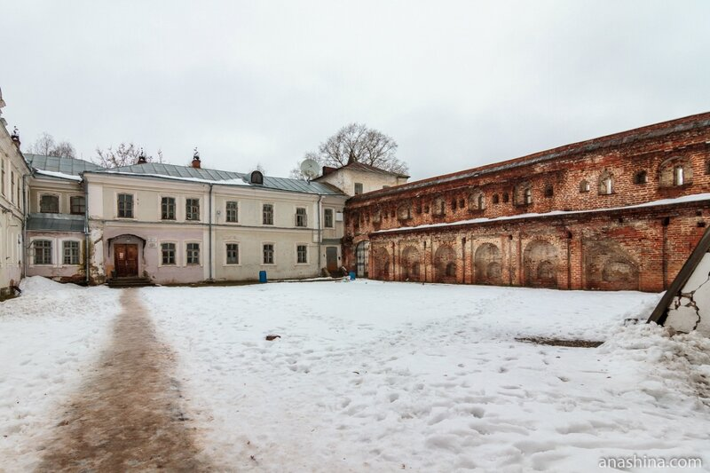 Консисторский двор, Вологодский кремль, Архиерейский двор, Вологда