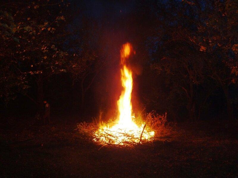 Пляшет жаркий хвост Огня ... Эхо фестивалей... ... В походных условиях (23).JPG