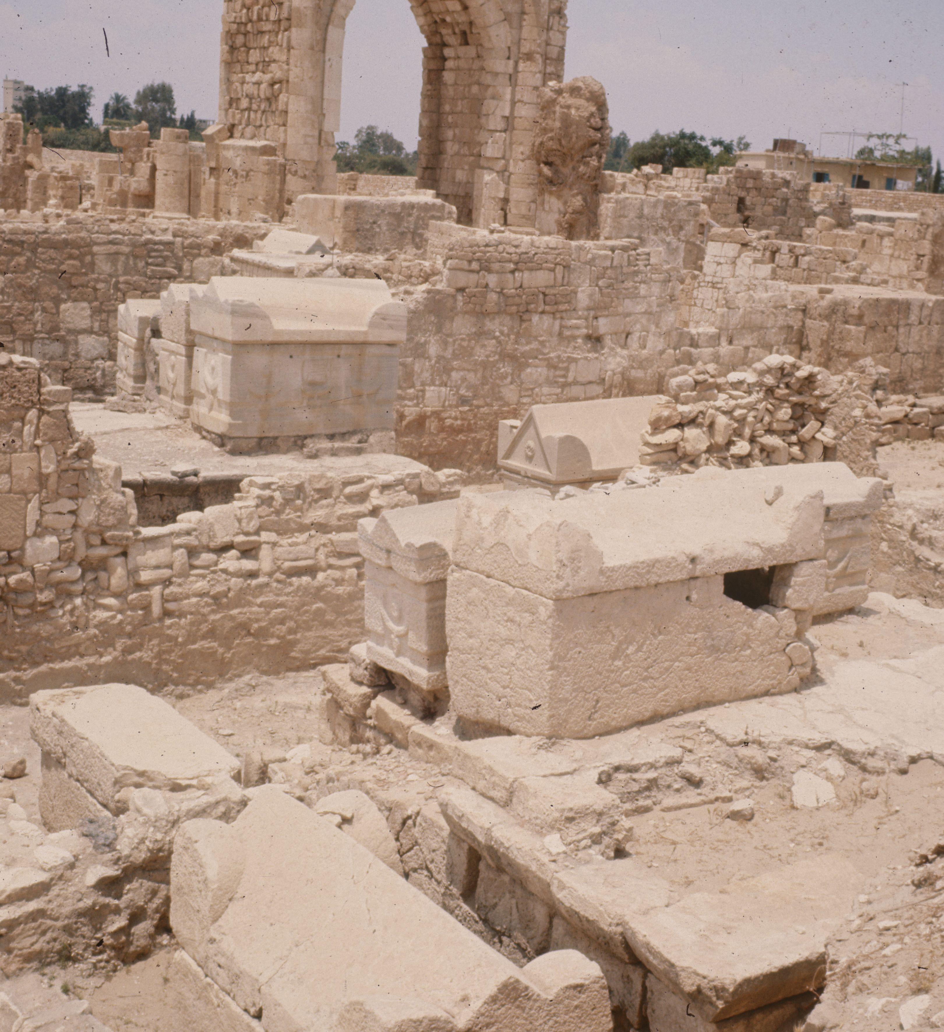 Baalbek und Byblos, historische Bauten