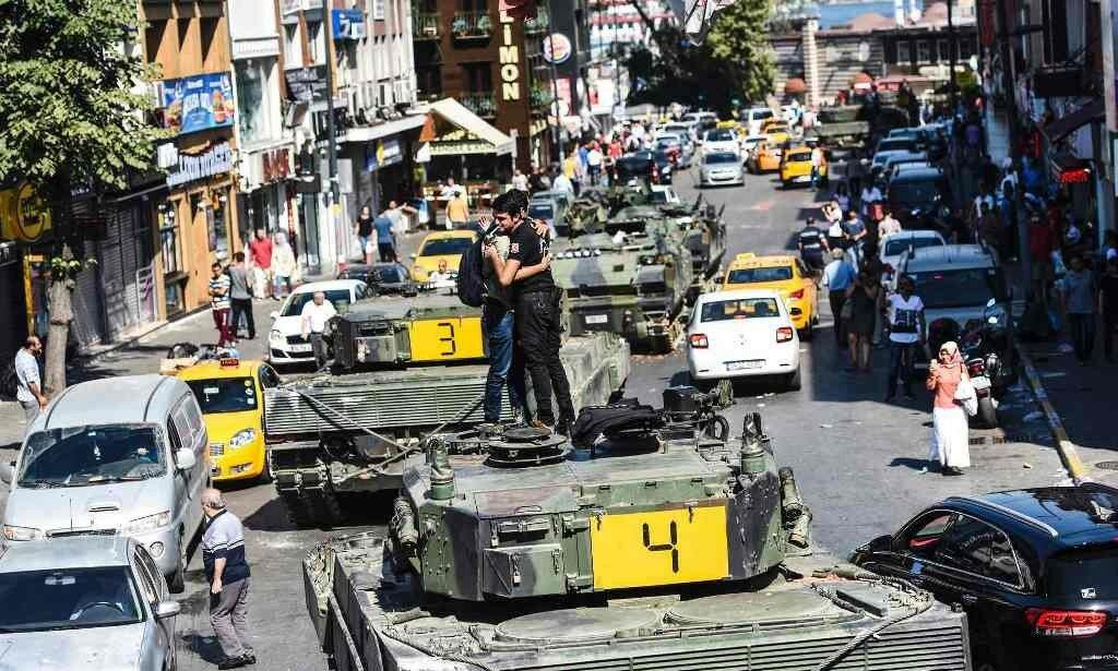Путч в Турции.jpg