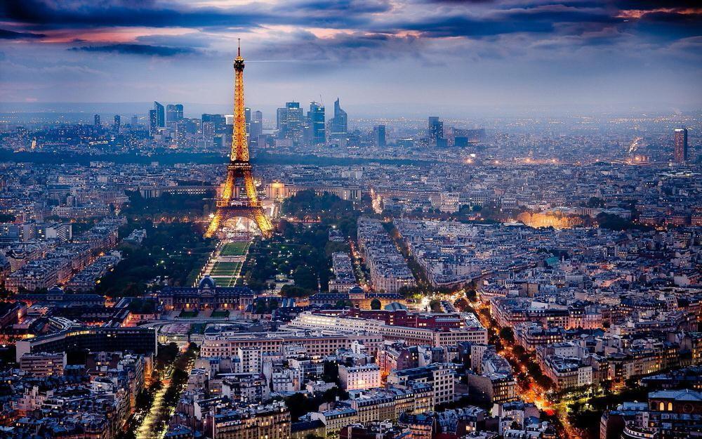 54. Париж, Франция .