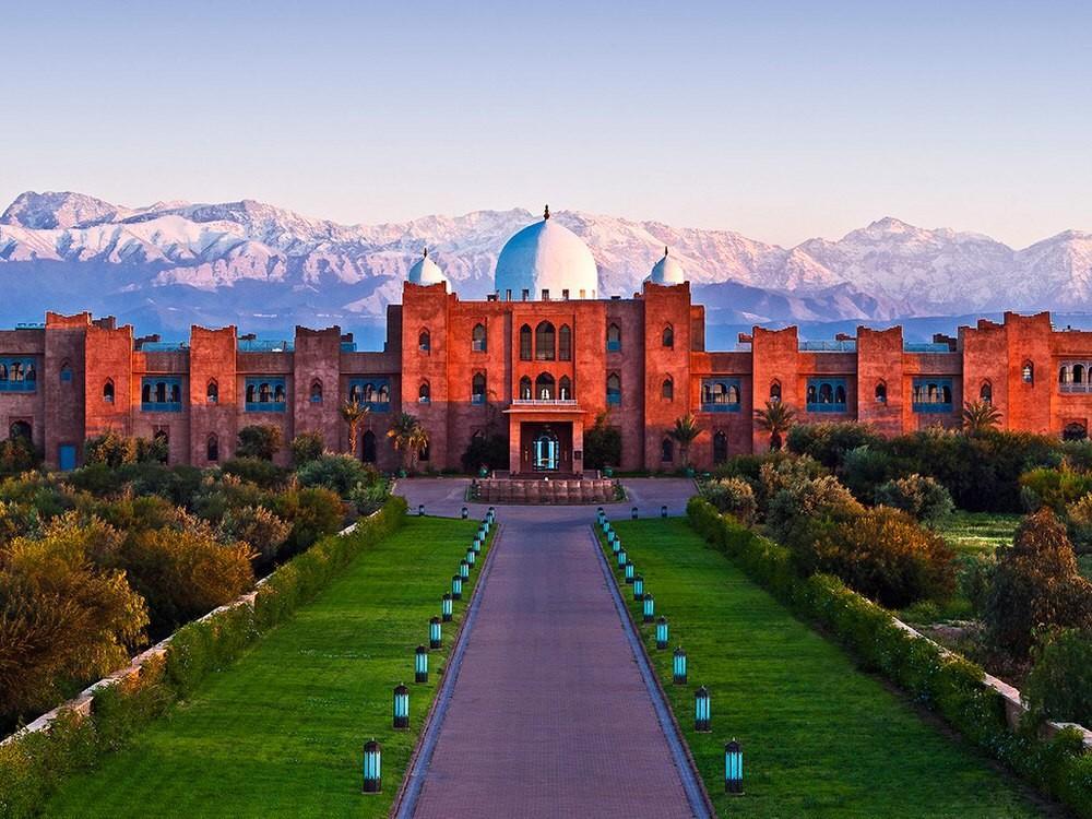 59. Остановитесь в отеле Taj Palace с видом на горы Атлас — не пожалеете.