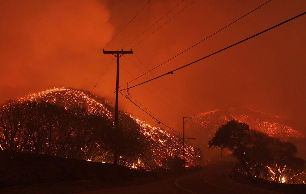 4. Пожар в Калифорнии, 13 сентября 2015. (Фото David McNew):