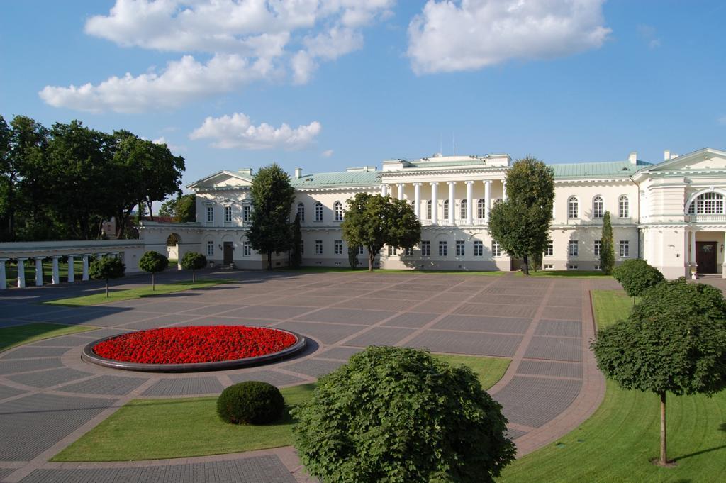Литва. Вильнюс. Президентский дворец является официальной резиденцией Президента страны. (Gideon