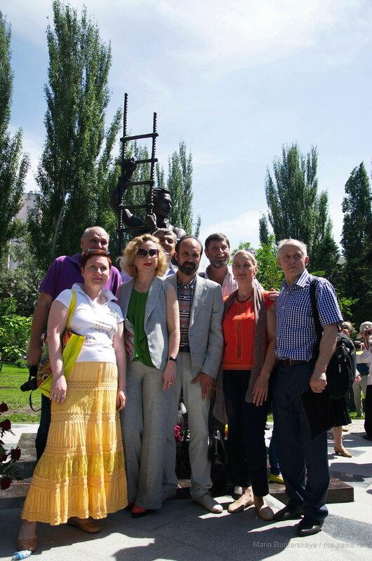 Открытие памятника Олегу Янковскому, Саратов, сквер у театра драмы им.Слонова, 28 мая 2016 года
