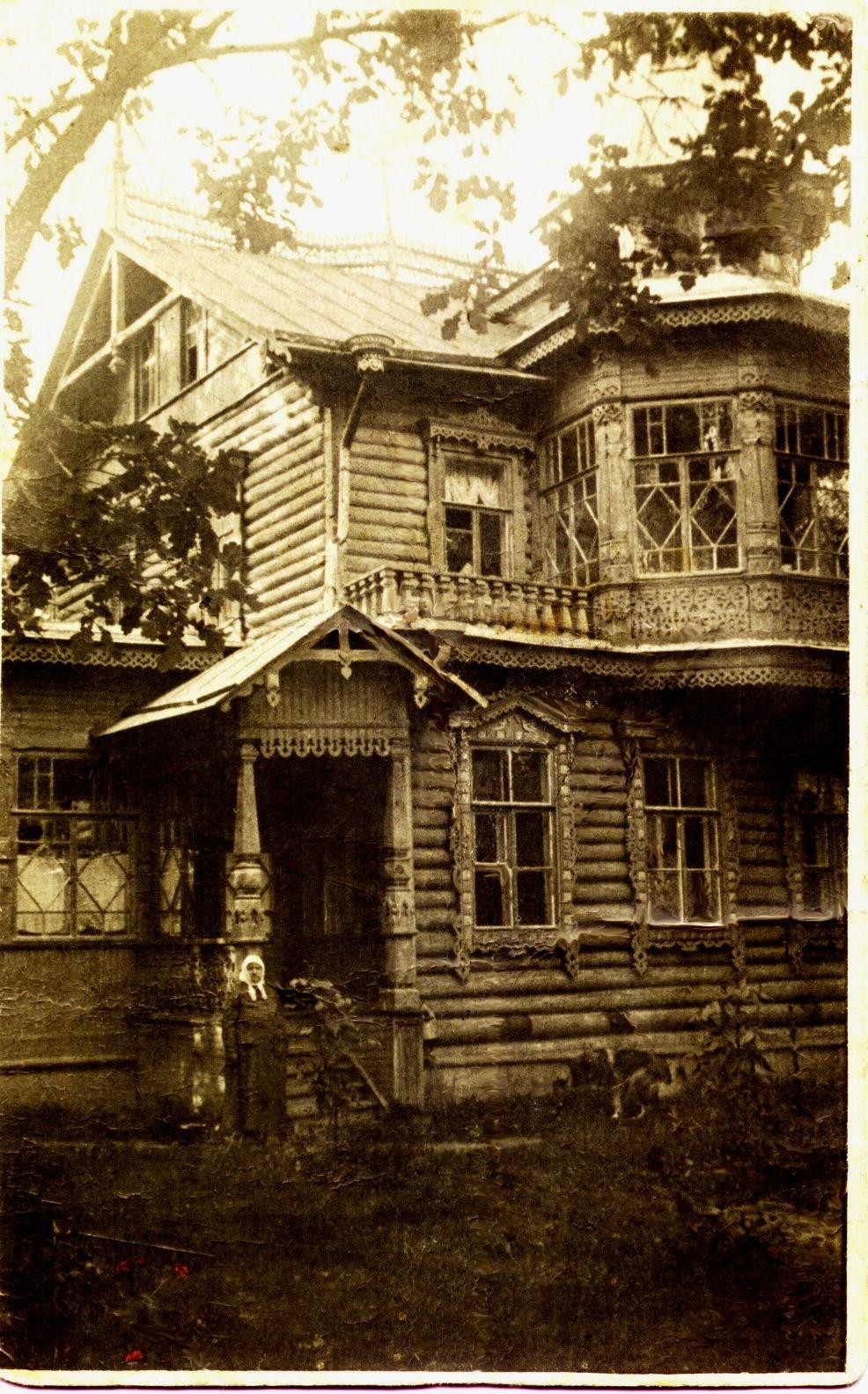 Вырица. Дом Серафима Вырицкого. Пильный проспект, 9
