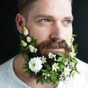 Борода в цветочках