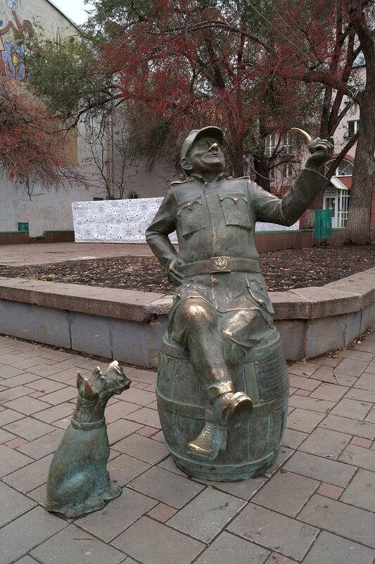 Скульптурные памятники самары заказать памятник в курске из гранита цены