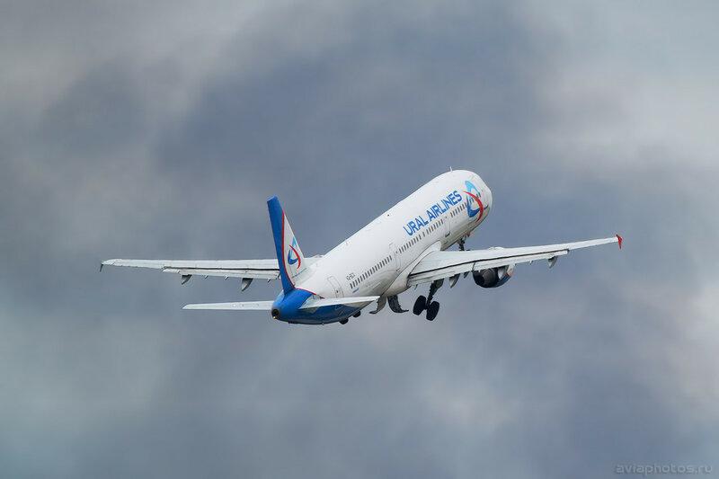 Airbus A321-211 (VQ-BCX) Уральские Авиалинии 0036_D805482