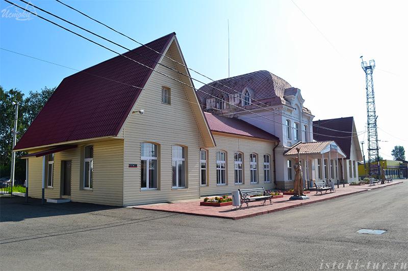 железнодорожный_вокзал_в_Серове_zheleznodorozhnyy_vokzal_v_Serove