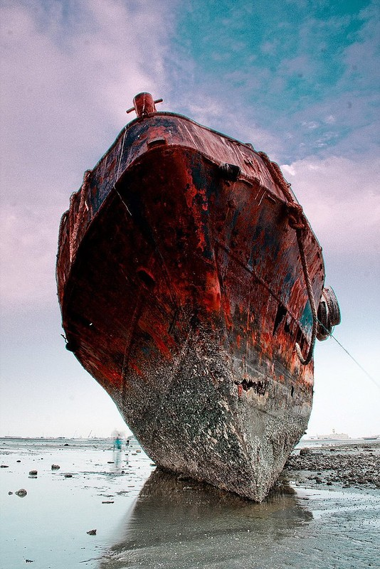 0 182c09 8e1bc61d orig - На мели: фото брошенных кораблей