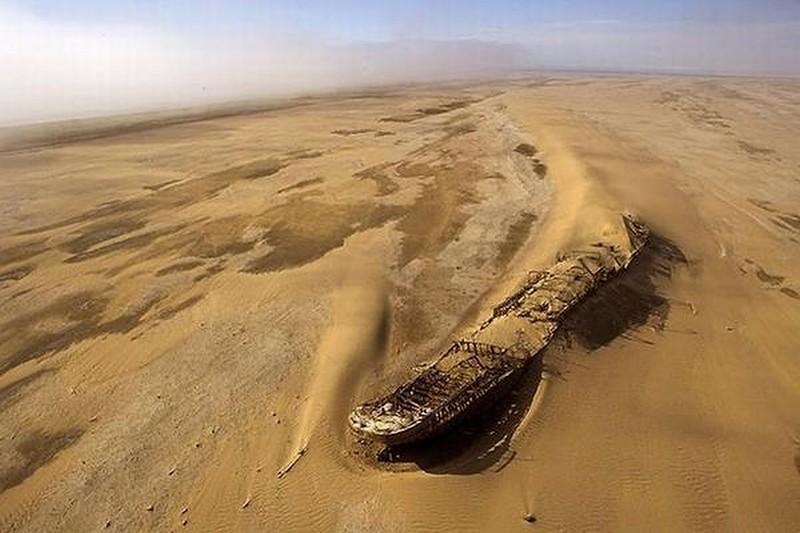 0 182c17 523699e2 orig - На мели: фото брошенных кораблей