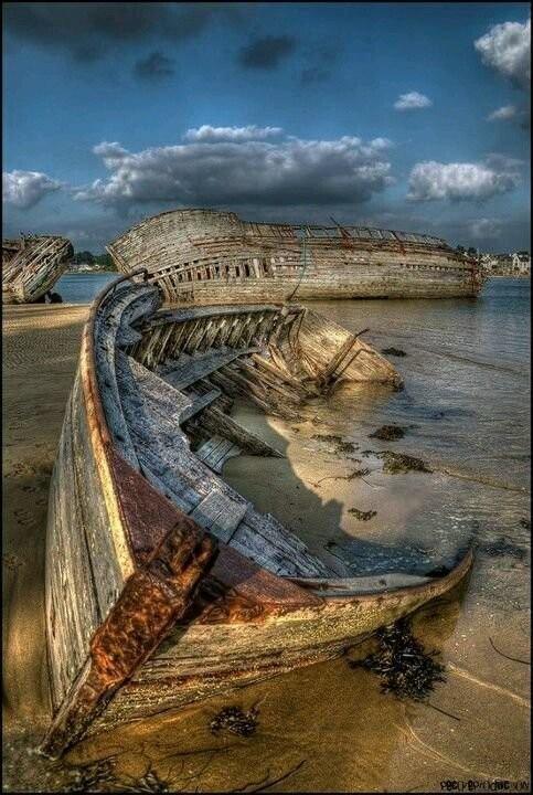 0 182c18 9ae983c9 orig - На мели: фото брошенных кораблей
