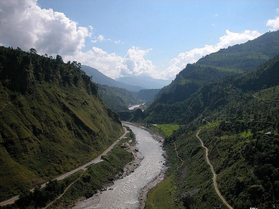 43. Рафтинг на реке Гандак, Непал Река Гандак настолько изолирована, что лишь у горстки людей будет