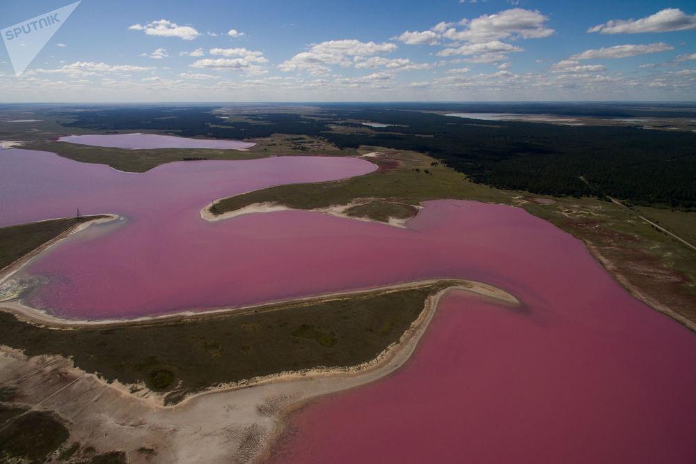 Одним из основных терапевтических факторов озер является наличие примеси — насыщенного сол