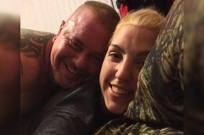 Любвеобильный мужик женился на падчерице, не разведясь с ее матерью (1 фото)