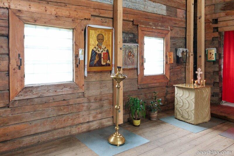 Внутреннее убранство Старо-Вознесенской (Тихвинской) церкви, Торжок